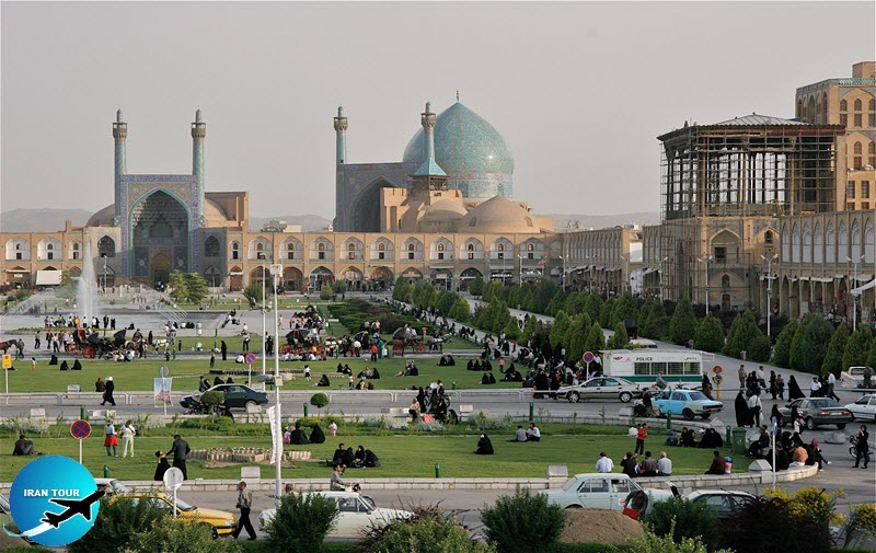 Isfahan attracts the eye and heart of the traveler
