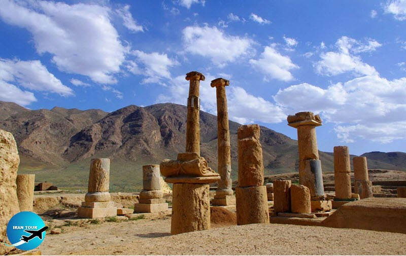 Khorhe Temple,  The only example of Greek architecture in Iran